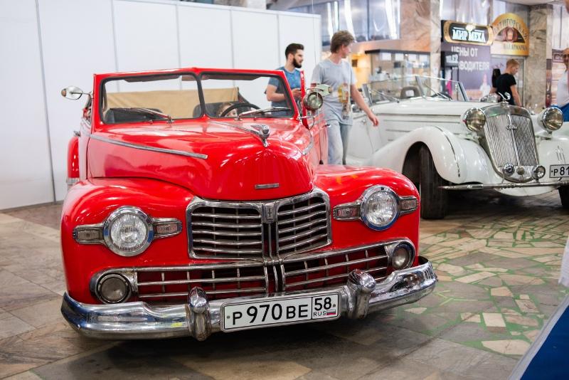 Выставка ретро-автомобилей в Пензе 2018